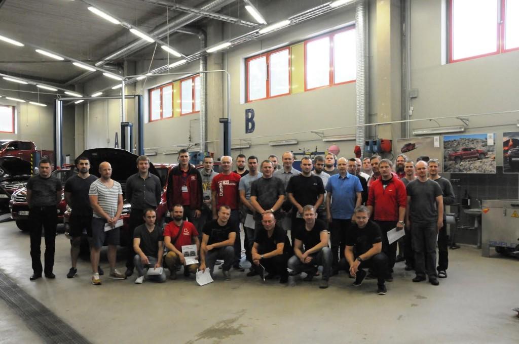 Toyota_tehnikud_Tartu_Kutsehariduskeskuses_koolitusel